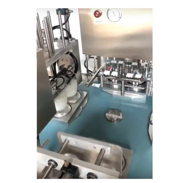 Αυτόματο περιστροφικό θερμολλητικό μηχάνημα πλαστικών σκευών γιαούρτι, ρυζόγαλο, επιδόρπια, ζελέ, κρέμα